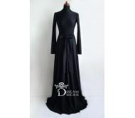 Ilga suknelė ADORIA juoda su rankovėmis